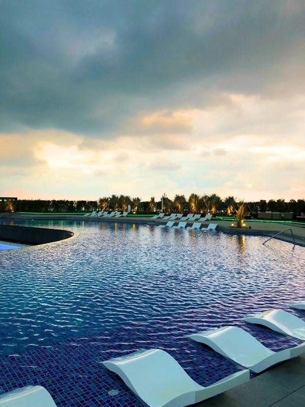 亿发城景泳池