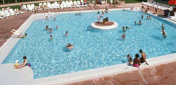 在游泳池游泳时的禁忌有哪些?